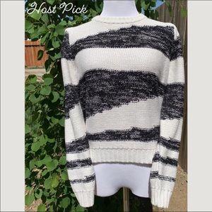 Levi's   Oversized Knit Crewneck Sweater